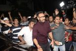 Ajay Devgan at Bobby Deol_s birthday party at his home in juhu on 27th Jan 2019 (3)_5c50042f637d1.JPG