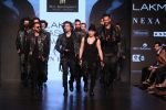 Gurmeet Choudhary walked the ramp on the first day of Lakme Fashion Week for designer Asa Kazingmei on 30th Jan 2019 (33)_5c529a8ca165b.JPG
