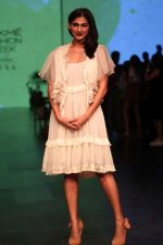 Kubra Sait AT LAKME FASHION WEEK DAY on 30th Jan 2019 (16)_5c529ab1b0557.JPG