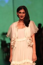 Kubra Sait AT LAKME FASHION WEEK DAY on 30th Jan 2019 (19)_5c529ab6e3193.JPG