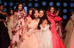 Yami Gautam walk the ramp for GAURI & NAINIKA SHOW at Lakme Fashion Week on 30th Jan 2019 (13)_5c529cf73824f.JPG