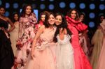 Yami Gautam walk the ramp for GAURI & NAINIKA SHOW at Lakme Fashion Week on 30th Jan 2019 (14)_5c529cf8bd63c.JPG