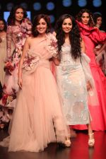 Yami Gautam walk the ramp for GAURI & NAINIKA SHOW at Lakme Fashion Week on 30th Jan 2019-1(16)_5c529fa0d38c5.JPG