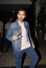 Armaan Malik spotted at Soho House juhu on 3rd Feb 2019 (18)_5c57f15aea943.JPG