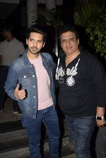 Armaan Malik, Daboo Malik spotted at Soho House juhu on 3rd Feb 2019 (15)_5c57f172787e6.JPG
