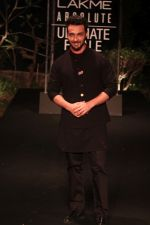 Aayush Sharma on Day 5 at Lakme Fashion Week 2019  on 3rd Feb 2019 (3)_5c593fff57c08.jpg
