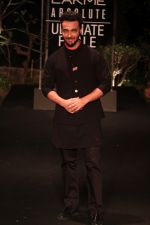 Aayush Sharma on Day 5 at Lakme Fashion Week 2019  on 3rd Feb 2019 (4)_5c5940019ee0f.jpg
