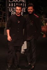 Aayush Sharma, Riteish Deshmukh on Day 5 at Lakme Fashion Week 2019  on 3rd Feb 2019 (7)_5c594005ac0b4.jpg