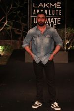 Amit Sadh on Day 5 at Lakme Fashion Week 2019  on 3rd Feb 2019 (27)_5c5940192eeda.jpg