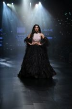 Bhumi Pednekar walk the ramp for Shehla Khan at Lakme Fashion Week 2019  on 3rd Feb 2019 (72)_5c593edacd60f.jpg