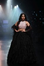 Bhumi Pednekar walk the ramp for Shehla Khan at Lakme Fashion Week 2019  on 3rd Feb 2019 (76)_5c593ee11bcbd.jpg