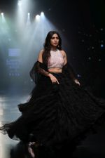 Bhumi Pednekar walk the ramp for Shehla Khan at Lakme Fashion Week 2019  on 3rd Feb 2019 (81)_5c593ee9220ef.jpg