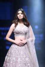 Diana Penty Walk the Ramp for Mishru Show at Lakme Fashion Week 2019 on 1st Feb 2019 (31)_5c593e649ff5a.jpg