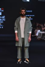 Jim Sarbh Walks Ramp for Designer Bodice at Lakme Fashion Week 2019 on 3rd Feb 2019 (50)_5c593d610c9c6.jpg