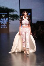 Malavika Mohanan Walk the Ramp for on Day 2 at Lakme Fashion Week 2019 on 2nd Feb 2019 (30)_5c5939367ae9a.jpg