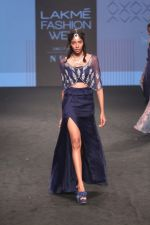 Model walk the Ramp on Day 5 at Lakme Fashion Week 2019 on 3rd Feb 2019 (147)_5c593fade99a9.jpg