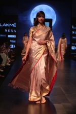 Model walk the ramp for Latha Sailesh Singhania Show at Lakme Fashion Week 2019  on 3rd Feb 2019  (33)_5c593ec7af258.jpg