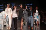 Pooja Hegde at Lakme Fashion Week 2019 Day 2 on 2nd Feb 2019 (25)_5c593b9170460.jpg
