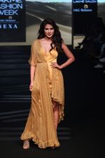 Rhea Chakraborty at Lakme Fashion Week 2019 on 2nd Feb 2019 (39)_5c5939a0b88a0.jpg
