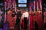 Vaani Kapoor walk the Ramp for Shivan and Narresh at Lakme Fashion Week 2019 on 3rd Feb 2019 (38)_5c593c5e662fd.jpg