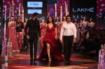 Vaani Kapoor walk the Ramp for Shivan and Narresh at Lakme Fashion Week 2019 on 3rd Feb 2019 (39)_5c593c60b21a4.jpg