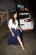 Bhumi Pednekar spotted at salon in juhu on 5th Feb 2019 (1)_5c5a9ef883de1.JPG