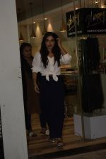 Bhumi Pednekar spotted at salon in juhu on 5th Feb 2019 (2)_5c5a9efac65be.JPG