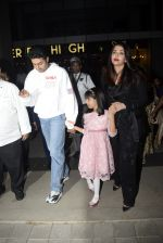 Abhishek Bachchan, Aishwarya Rai Bachchan, Aaradhya Bachchan spotted at bkc post dinner on Abhishek_s birthday on 5th Feb 2019 (47)_5c5a9f581e055.JPG