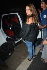 Amrita Arora spotted at Sanchos bandra on 5th Feb 2019 (59)_5c5a9fc3c2c99.JPG