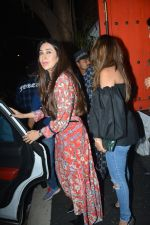 Karisma Kapoor spotted at Sanchos bandra on 5th Feb 2019 (68)_5c5aa001a2d86.JPG