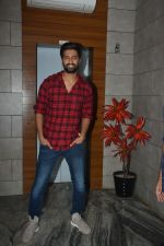 Vicky Kaushal at the Success party of fil Uri at Escobar bandra on 4th Feb 2019 (34)_5c5a9535e7b75.JPG