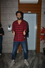 Vicky Kaushal at the Success party of fil Uri at Escobar bandra on 4th Feb 2019 (36)_5c5a95380b917.JPG