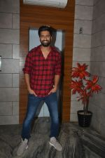 Vicky Kaushal at the Success party of fil Uri at Escobar bandra on 4th Feb 2019 (44)_5c5a954b69f8d.JPG
