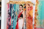 Karisma Kapoor at the special preview of spring summer 19 collection of Satya Paul at thier store in Phoenix on 6th Feb 2019 (3)_5c5bde7bc8072.jpg