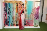 Karisma Kapoor at the special preview of spring summer 19 collection of Satya Paul at thier store in Phoenix on 6th Feb 2019 (5)_5c5bde7fb1bc5.jpg