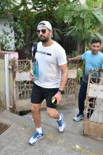 Yuvraj Singh spotted at gym in bandra on 7th Feb 2019 (1)_5c5d2d7bbea38.JPG