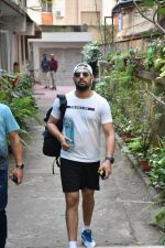 Yuvraj Singh spotted at gym in bandra on 7th Feb 2019 (4)_5c5d2d8137e95.JPG