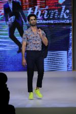 Shahid Kapoor at Preview of Marks & Spencer Spring Summer Collection 2019 at ITC Grand Central on 7th Feb 2019 (41)_5c611e261bc7c.JPG
