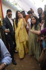 Katrina Kaif at Saraswati pujan at Anurag Basu_s house in goregaon on 10th Feb 2019 (41)_5c6130458a0c4.jpg