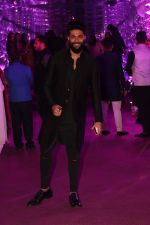 Kunal Rawal at Azhar Morani & Tanya Seth Sangeet in NSCI worli on 7th Feb 2019 (16)_5c611ccdc6fc7.JPG