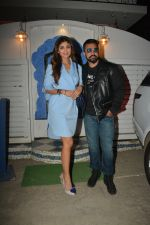 Shilpa Shetty, Raj Kundra at the baby shower of her manager in bandra on 8th Feb 2019 (1)_5c612f2a5f8fc.jpg