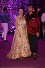 Sonu Nigam at Azhar Morani & Tanya Seth Sangeet in NSCI worli on 7th Feb 2019 (6)_5c611d934c2cb.JPG