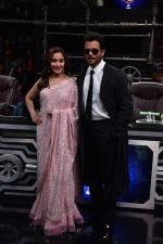 Anil Kapoor and Madhuri Dixit on sets of Super Dancer chapter 3 on 11th Feb 2019 (24)_5c62744dc56ff.jpg