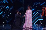 Anil Kapoor and Madhuri Dixit on sets of Super Dancer chapter 3 on 11th Feb 2019 (28)_5c6274506f710.jpg