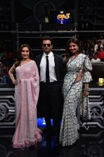 Anil Kapoor, Madhuri Dixit, Shilpa Shetty on sets of Super Dancer chapter 3 on 11th Feb 2019 (23)_5c627452c4353.jpg