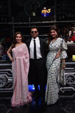 Anil Kapoor, Madhuri Dixit, Shilpa Shetty on sets of Super Dancer chapter 3 on 11th Feb 2019 (24)_5c6274e2263ca.jpg