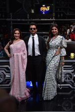 Anil Kapoor, Madhuri Dixit, Shilpa Shetty on sets of Super Dancer chapter 3 on 11th Feb 2019 (26)_5c6274e33ace3.jpg