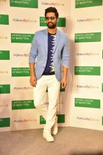 Vicky Kaushal at Store launch of UNITED COLORS OF BENNETTON on 11th Feb 2019 (10)_5c627427f05a8.jpg