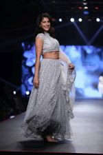 Kubbra Sait at Smile Foundation & Designer Sailesh Singhania fashion show for the 13th edition of Ramp for Champs at the race course in mahalxmi on 13th Feb 2019 (18)_5c651ed1363b5.jpg