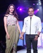 Rakul preet Singh at Smile Foundation & Designer Sailesh Singhania fashion show for the 13th edition of Ramp for Champs at the race course in mahalxmi on 13th Feb 2019